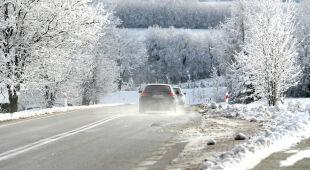 Zima zaatakowała w części kraju. Jest niebezpiecznie