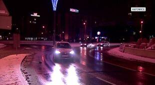 Śnieg przysypał Katowice (TVN24)