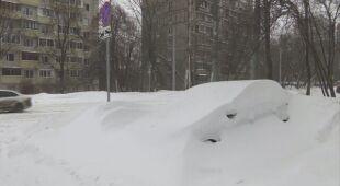 Nawet ponad pół metra śniegu na ulicach Moskwy